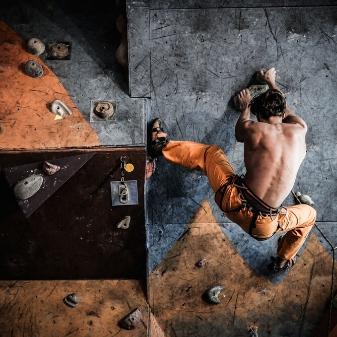 Hvad er Bouldering? ALT du behøver at vide: Tips, Tricks og Hacks for begyndere!