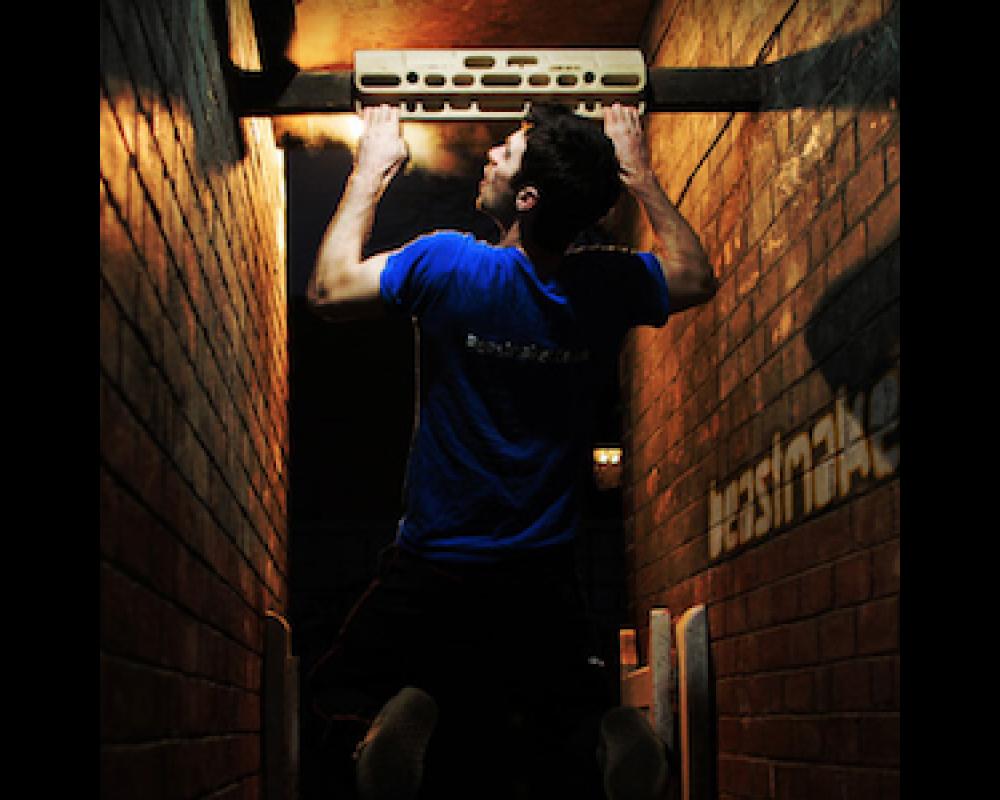 Beastmaker 1000 hangboard til træning af fingerstyrke klatring