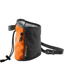Sort og orange kalkpose fra skylotec. Slate 2.0
